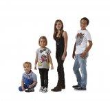 Co ohrožuje zdraví malých školáků? Boty, matrace, stůl či židle?